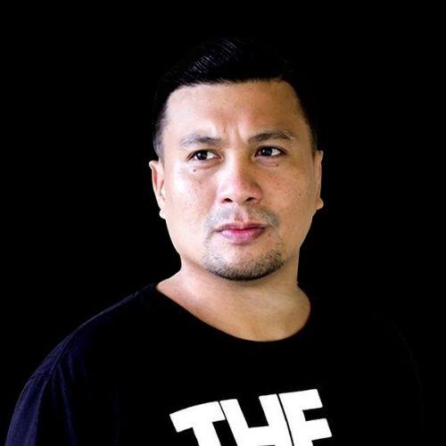 Follow DJ Carlo Lasiste